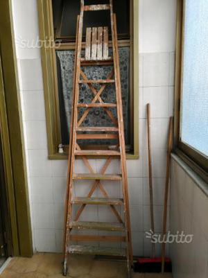 Scala 9 gradini in legno