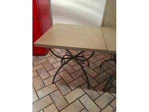 2 tavoli in ferro battuto sedie