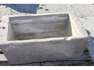 Grande vasca in pietra arenaria cm.63x51 h 29 n.6 fioriera