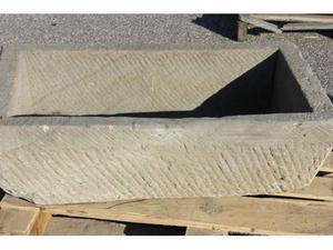 Grande vasca in pietra arenaria cm.88x51 h 27n.8 fioriera