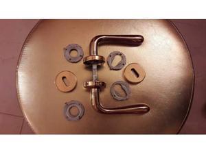 Offro 8 maniglie per porte interne stile posot class for Occhio magico per porte