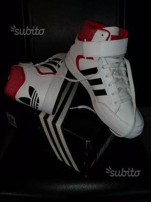 Scarpe Adidas originali n. 42. Nuove, mai usate