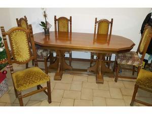 Tavolo in legno massello con 6 sedie