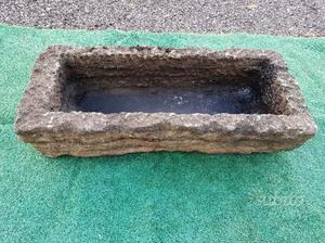 Antica vasca - fioriera - lavandino in pietra