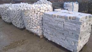 Cubetti e liste in marmo di carrara
