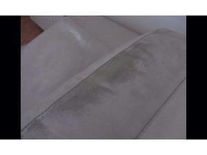 Lavaggio divani in pelle