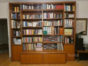Libreria in noce nazionale con cassetti