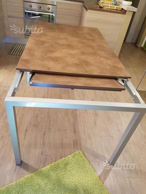 Tavolo allungabile scavolini posot class - Misure tavolo 6 posti ...