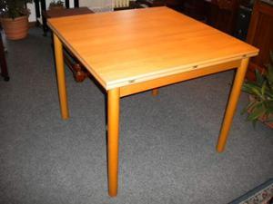 Tavolo in legno, allungabile (1)
