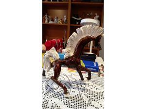 Albisola: scultura cavallo in terracotta