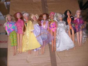 Blocco di nove bambole
