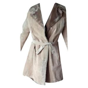 cappotto trench di pelle con interno in morbida pelliccia