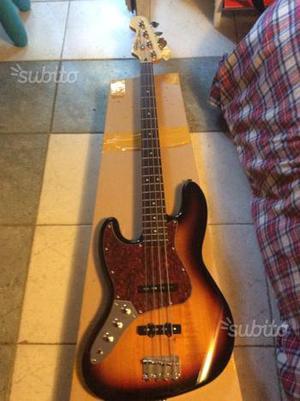 Basso squier jazz bass