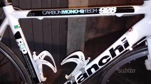 Bici da corsa Bianchi in carbonio
