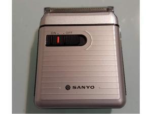 Rasoio elettrico a batterie SANYO SV M730 vintage