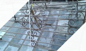 Cancello antico in ferro battuto