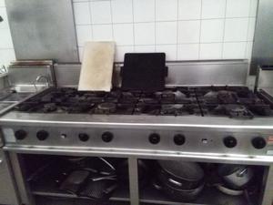 Cucina 8 fuochi 2 forni per ristorante usata posot class - Cucina inox usata ...