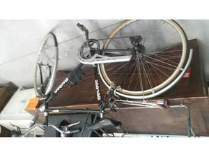Bicicletta uomo nera barbon tenuta bene
