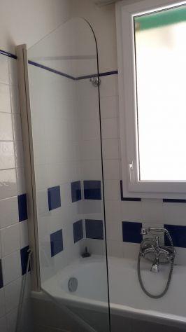 Vasca da bagno con chiusura in vetro xx roma posot class - Vetro vasca da bagno ...