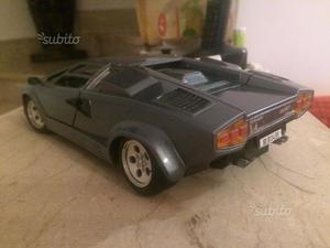 Lamborghini Countach 1/18 Polistil