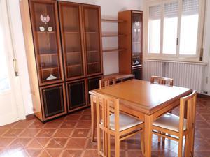 Sogggiorno completo tavolo posot class for Arredamento completo