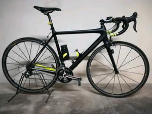 Bicicletta da corsa in carbonio