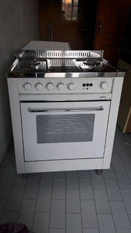 Cucina a gas a 4 fuochi