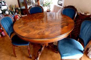Tavolo e 4 sedie in legno
