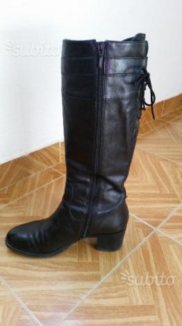 Vendo stivali donna GEOX originali n 39 in pelle neri