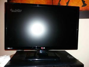 Tv led LG 22 pollici monitor pari al nuovo