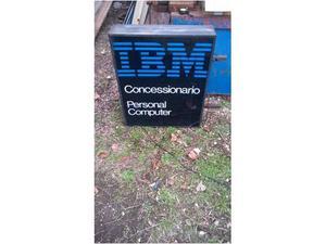 Insegna luminosa IBM bandiera