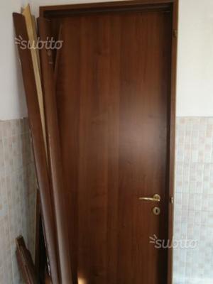 Porta interna nuova con telaio posot class - Telaio porta interna ...