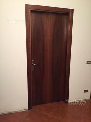 Porte da interno in legno color noce