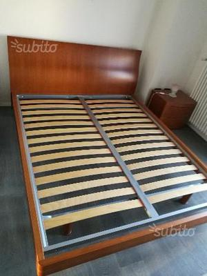 Prestigiosa camera da letto completa in ciliegio