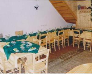 Set Sedie e tavoli ristoranti cod 998 in legno nuovi
