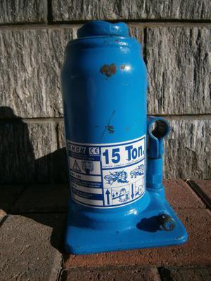 Sollevatore idraulico - cric a bottiglia con vite OMCN
