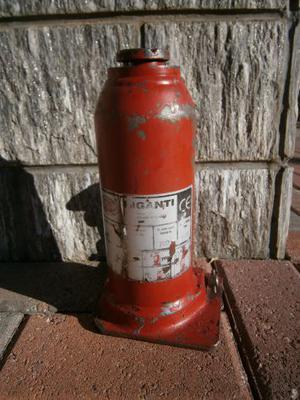 Sollevatore idraulico - cric a bottiglia con vite Riganti