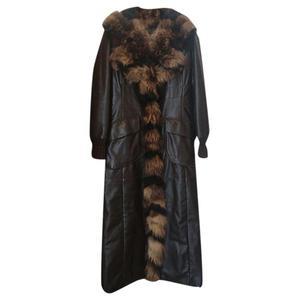 cappotto lungo in pelle di agnello, color testa di moro,