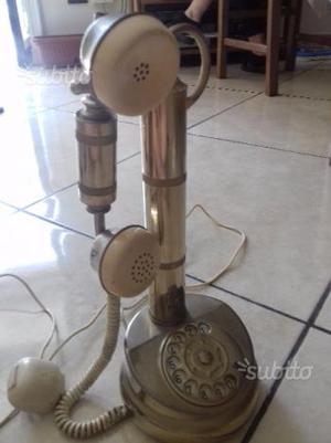 Telefono antico in ottone