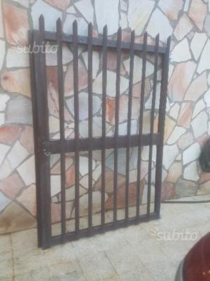 Cancello in ferro a 2 ante