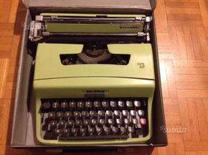 Macchina da scrivere Lettera 32 Olivetti