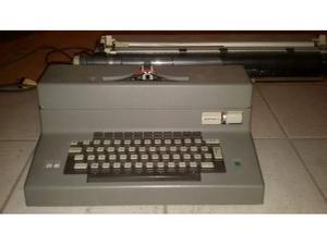 Macchina da scrivere Olivetti Editor 4