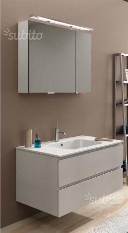Mobile da bagno grigio chiaro moderno