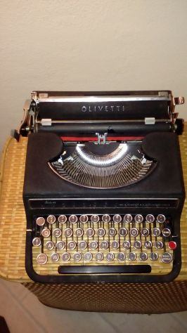 Olivetti Studio 42 macchina da scrivere anni 30