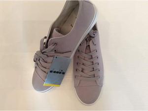 Scarpe diadora nuove