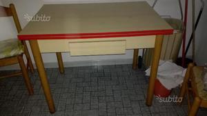 Tavolo da cucina 4 sedie