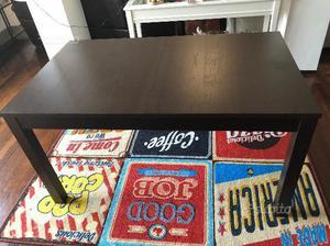 Tavolo da pranzo con sedie
