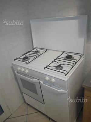 Cucina in discrete condizioni