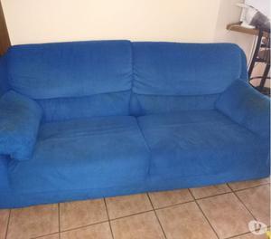 Divano in pelle con copridivano tavolo posot class - Copridivano per divano in pelle ...
