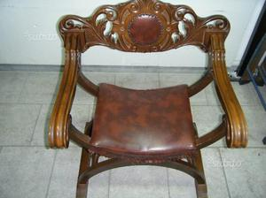 Poltrona antica in legno